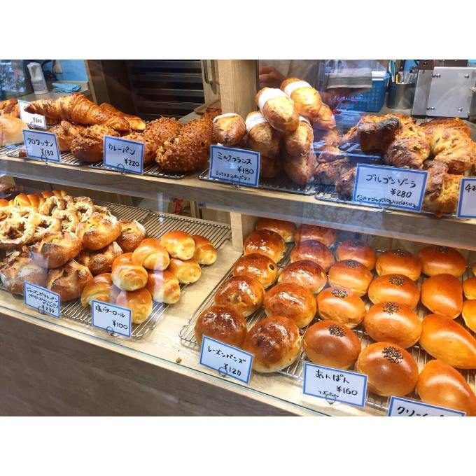 オパンのレーズンパンズとカレーパン | OPAN オパン|東京 笹塚のパン屋