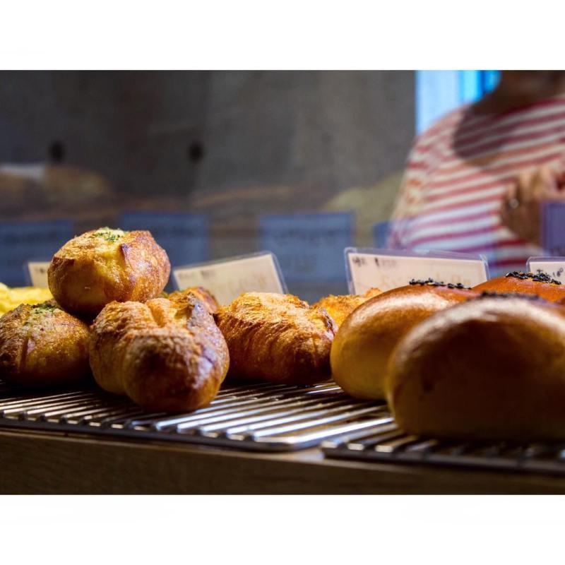 オパンのガーリックフランスとお知らせ(2016.11.07) | OPAN オパン|東京 笹塚のパン屋
