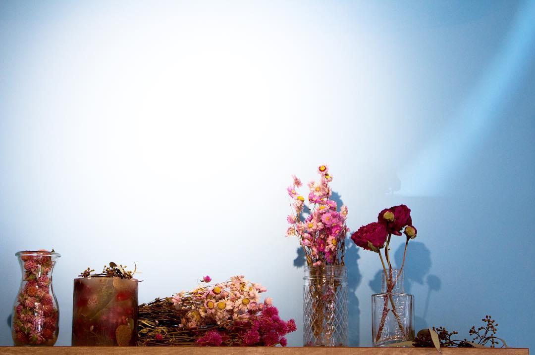 店内のお花を新しくして頂きました(2016.02.11)