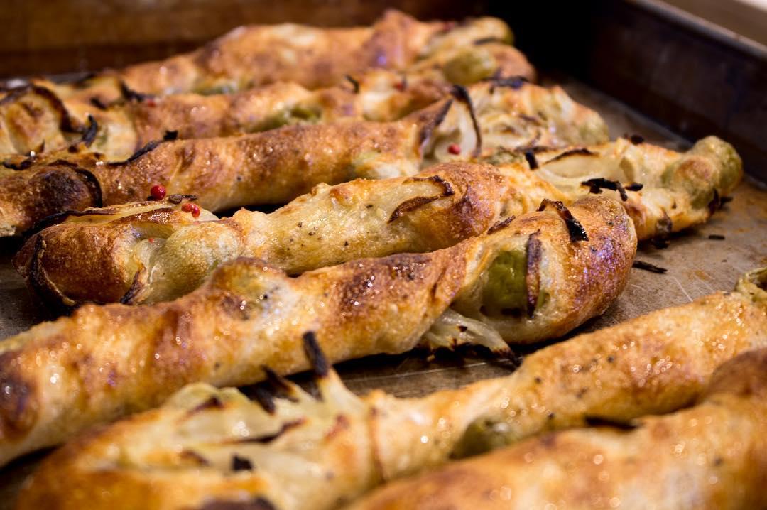 オパンの玉ねぎとオリーブのフランスパン(2017.03.08)