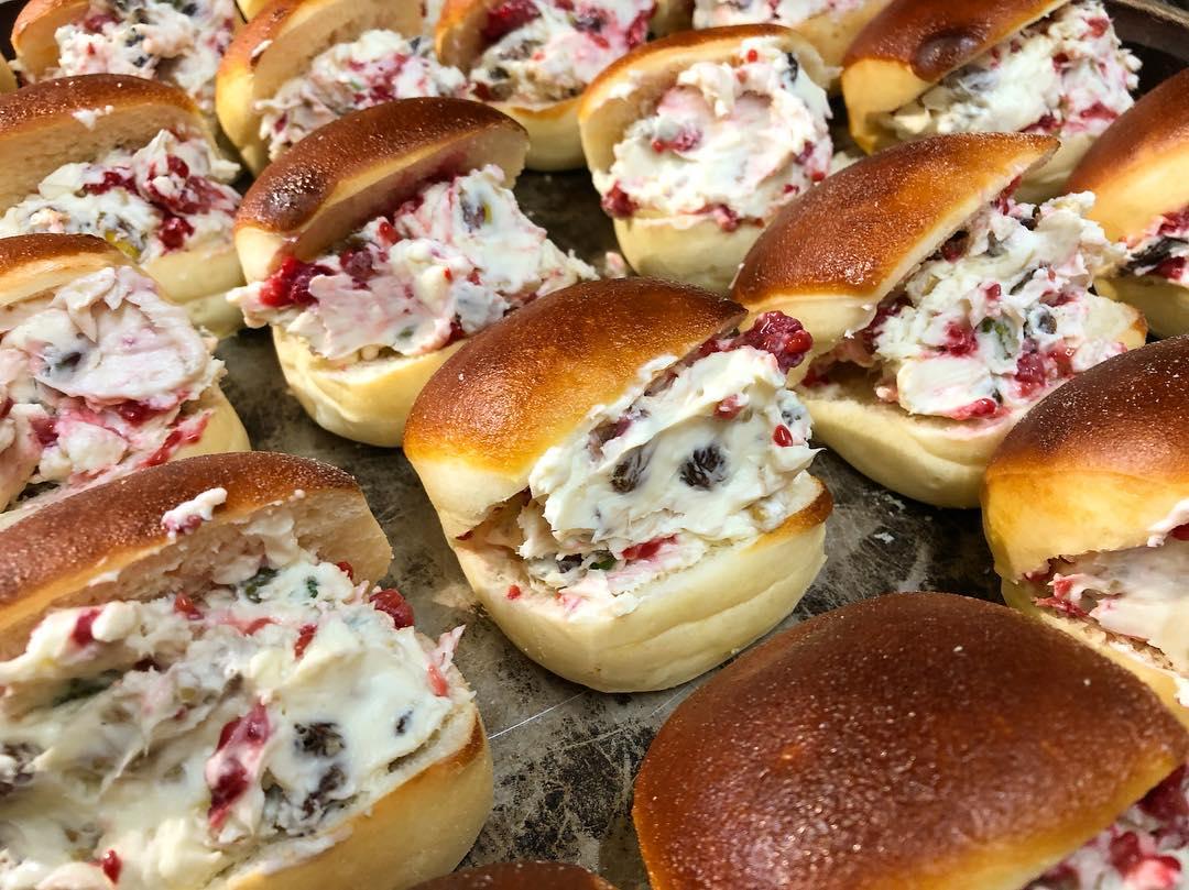 クリームチーズとクランベリーとラムレーズンのデザートサンド(2018.12.27)