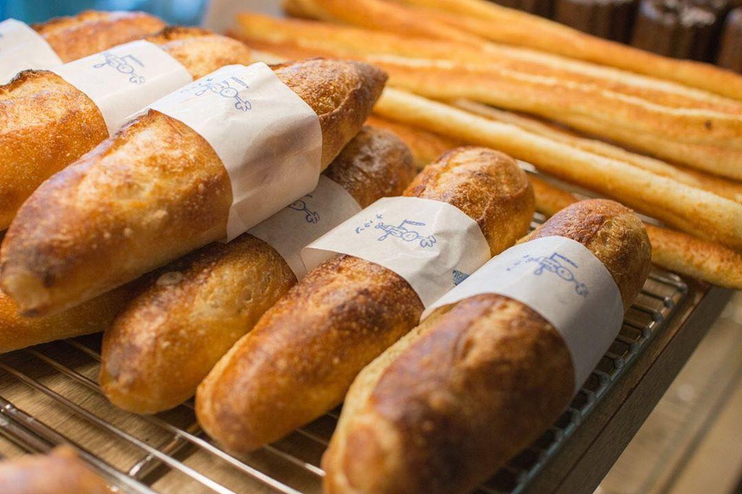 ミルクフランス、ミルクパンのパヴェが焼き上がっております(2020.01.08)