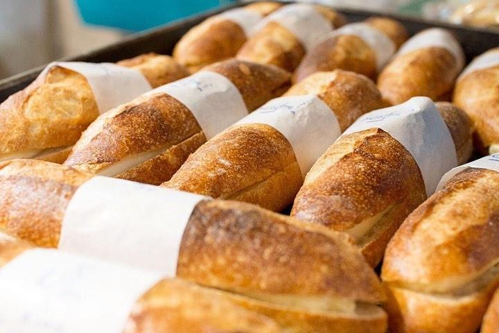 オパンドッグ、ミルクフランスが焼き上がっております(2020.03.26)