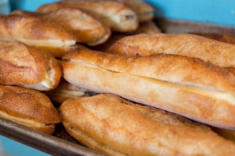 オパンドッグ、ミルクフランスたくさん焼き上げていっております(2021.02.20)