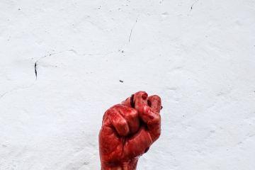 Point ensanglanté, révolution