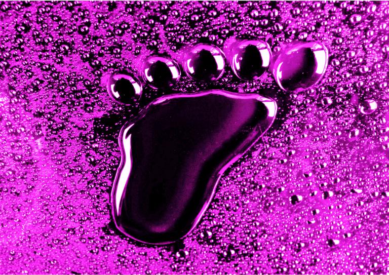 Décryptage Avoir les pieds en bouquet de violettes