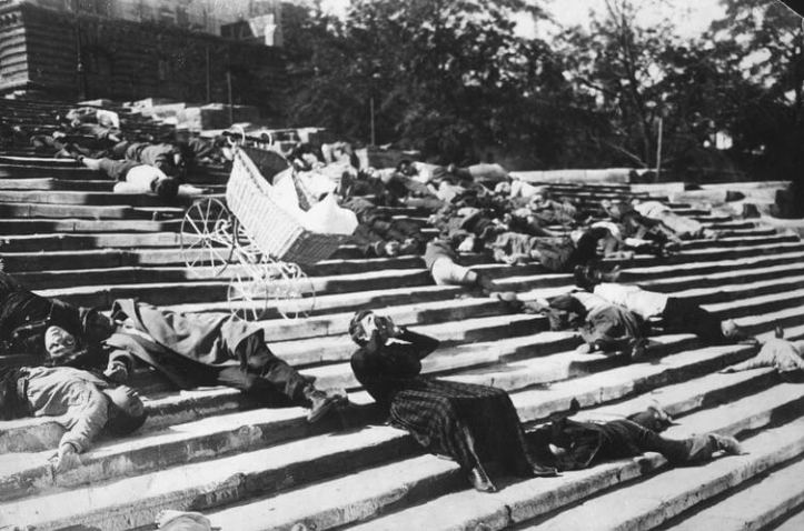 A escadaria de Odessa, no Encouraçado Potemkin de Sergei Eisenstein