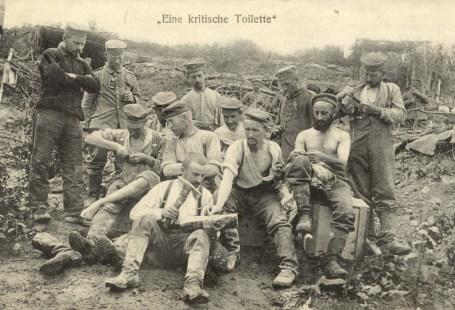 Feldpostkarten Erster Weltkrieg Kritische Toilette