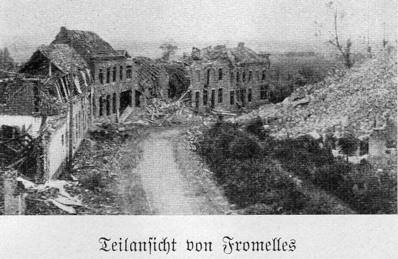 Das zerschossene Fromelles. Foto aus Rebers Regimentsgeschichte.