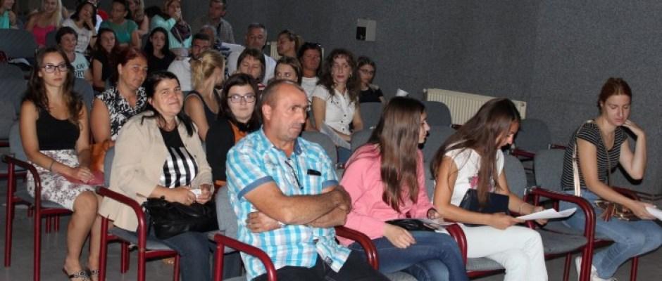 Potpisano 145 ugovora o dodjeli stipendija u Bosanskoj Krupi: U proteklih sedam godina Općina iz budžeta utrošila 1.031.272 KM