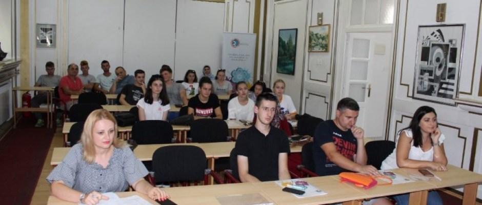 Omladinska banka Bosanska Krupa: Potpisano još osam ugovora o finansiranju projekata neformalnih grupa i dva mikrobiznisa