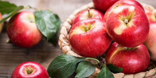 Beneficios saludables de comer manzana