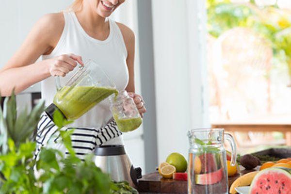 Como iniciar una desintoxicación y eliminar toxinas de manera segura