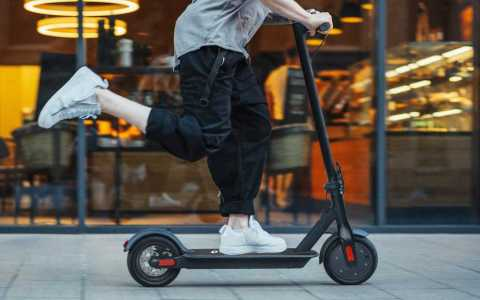 FW H85B Electric Scooter - Phaewo FW-H85B Folding Electric Scooter Gearbest Coupon Promo Code [NETHERLANDS]