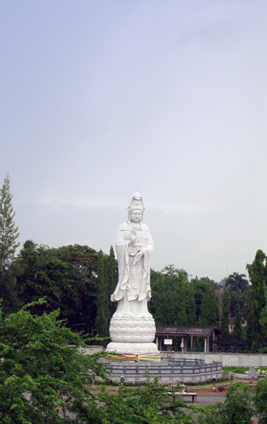 The statue on the River Kwai