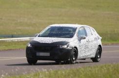 Opel testuje nową Astrę