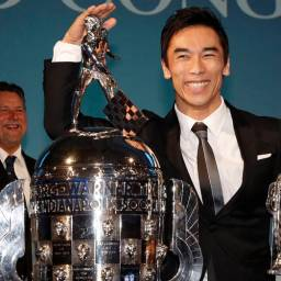 "Michael Andretti and Takuma Sato receive ""Baby Borg"" trophies in Detroit"