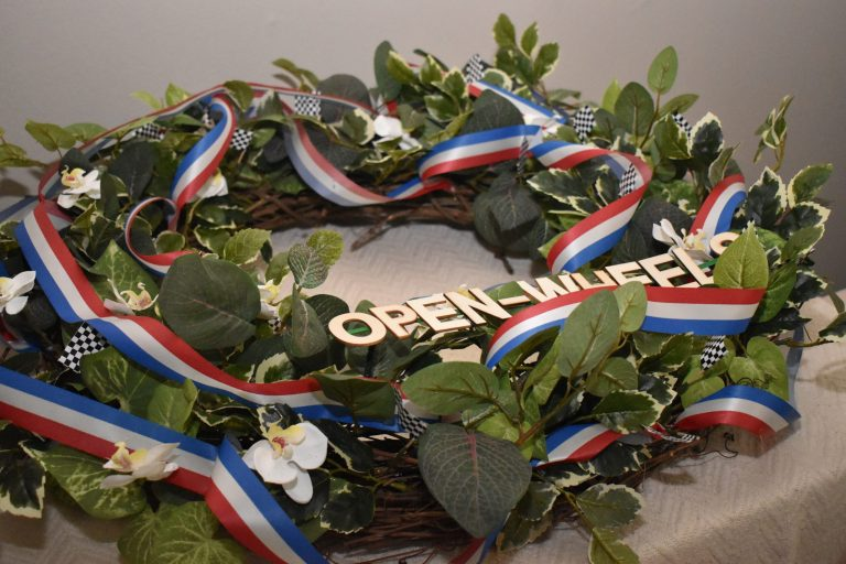 The Watering Can presents the 2019 Open-Wheels 500 Mile Race winner's wreath
