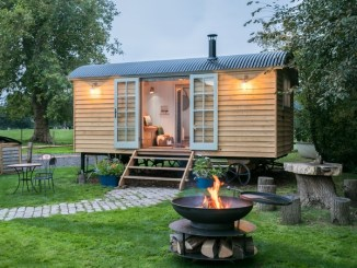 Dimpsey glamping hut