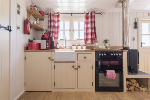 Mount View accommodation kitchen
