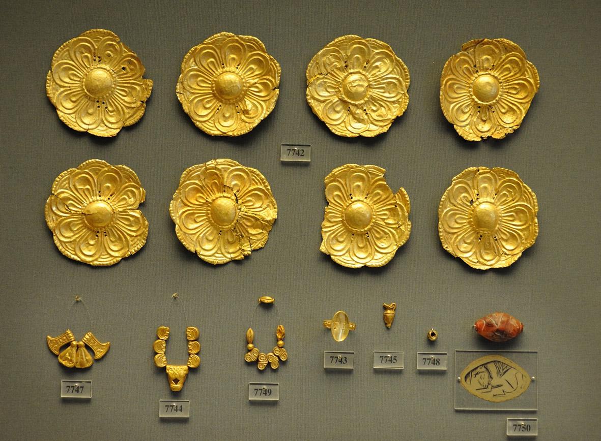 Mycenaean treasures from Attica