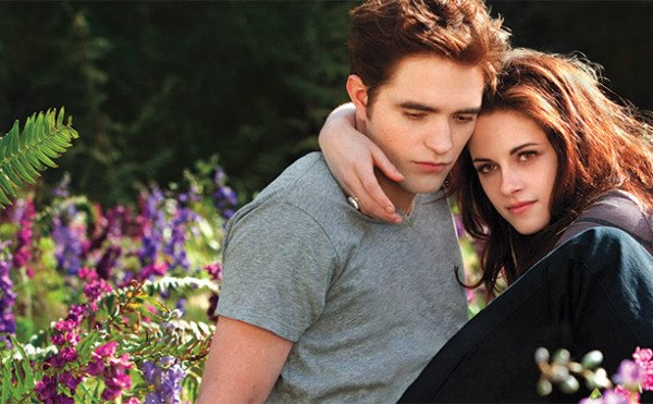 "EW UNVEILS TWO NEW ""BREAKING DAWN – PART 2"" IMAGES"