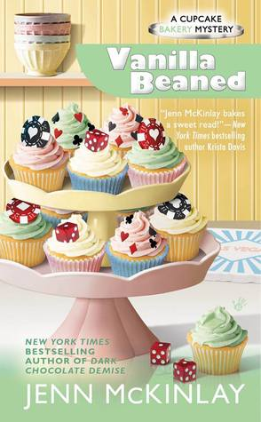 VANILLA BEANED (A CUPCAKE BAKERY MYSTERY #8) BY JENN McKINLAY: BOOK REVIEW