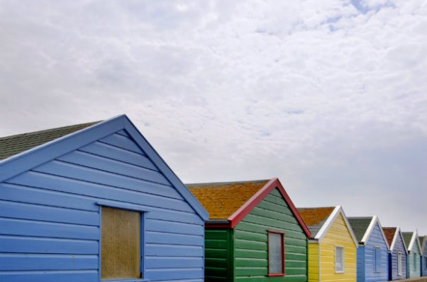 BEACH HUTS & sky BLOG