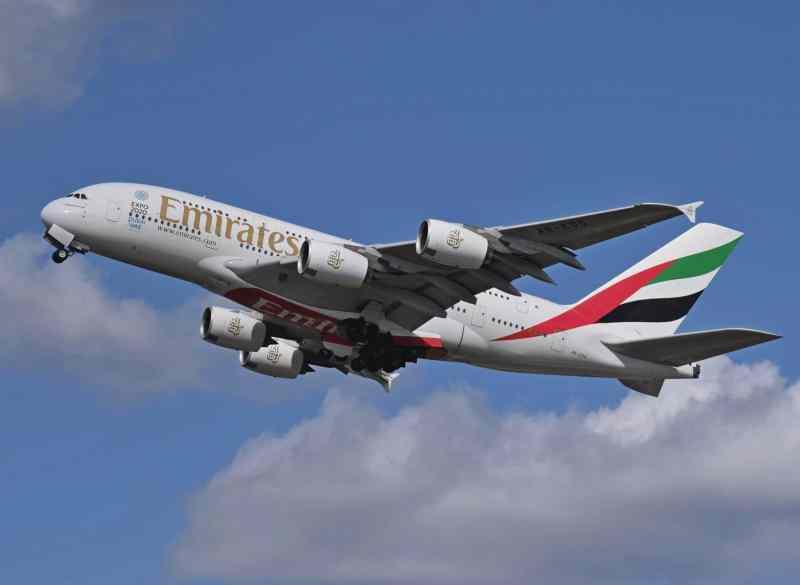 Avion Emirates Airbus A380
