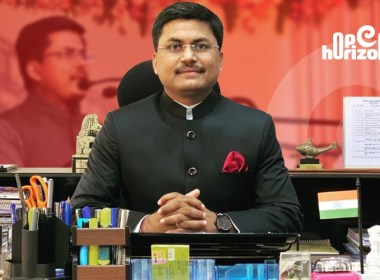 ias-officer-awanish-sharan-who-had-secured-only-44-percent-marks-in-class-10-exam-upsc-exam-all-india-10-rank-holder-upsc-ias