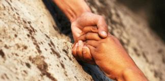 """"""" Cuci il tuo futuro """": il crowdfunding per l'emancipazione"""