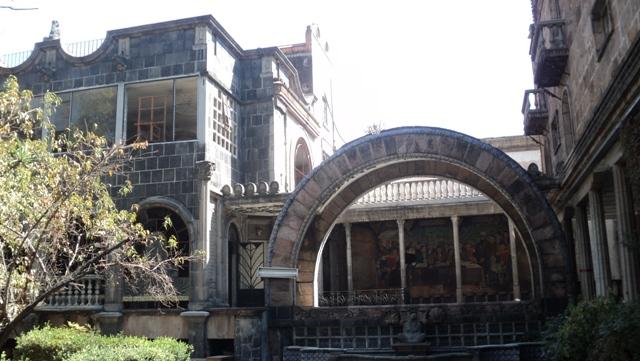 Lugares abandonados en la CDMX  Revista OPEN