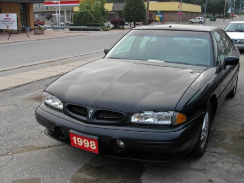 small resolution of all told the 1998 pontiac bonneville ssei is a relatively comfortable car that isn t that bad to drive and has plenty of gizmos to keep one amused and