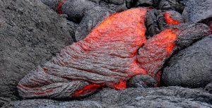 Figura 3.3 Magma basalto pahoehoe que forma al Volcán Kilauea, Hawaii [SE]