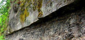 Figura 3.4 mudstone-cretáceo edad marina piedra arenisca suprayacente, Gabriola Island, BC [SE]