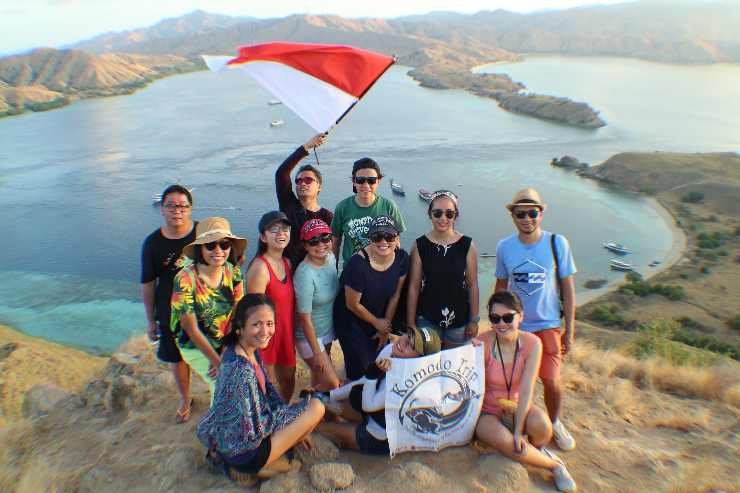 LABUAN BAJO TOUR PACKAGE 3D2N, flores tour, sharing boat komodo, phinisi boat labuan bajo, komodo tours, cheap komodo trip, komodo dragon tours.
