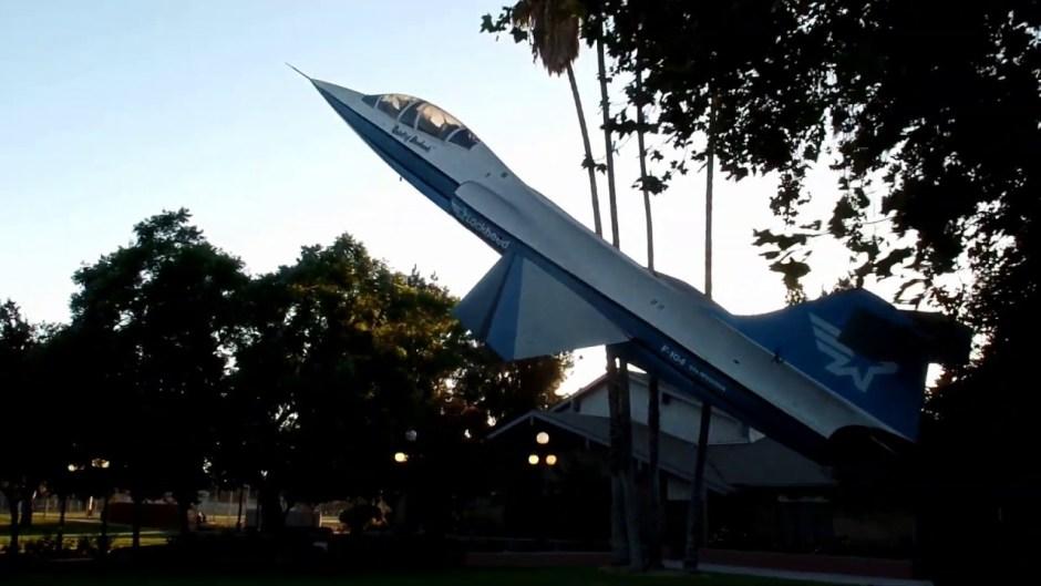 Lockheed shaky 01