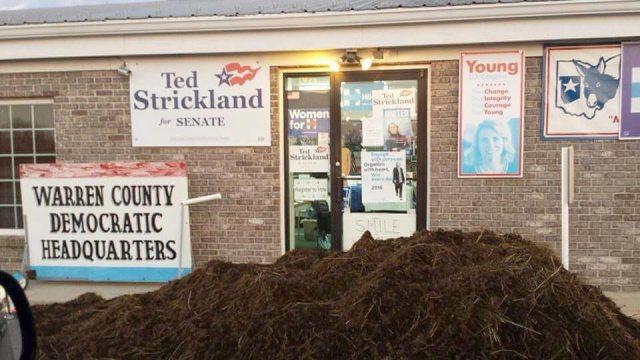The Democratic headquarters in Warren County, Ohio. (Courtesy of Bethe Goldenfield)