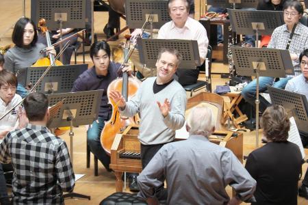 たった2回のみ上演される、充実のモーツァルト———演奏会形式で体感する《コジ・ファン・トゥッテ》