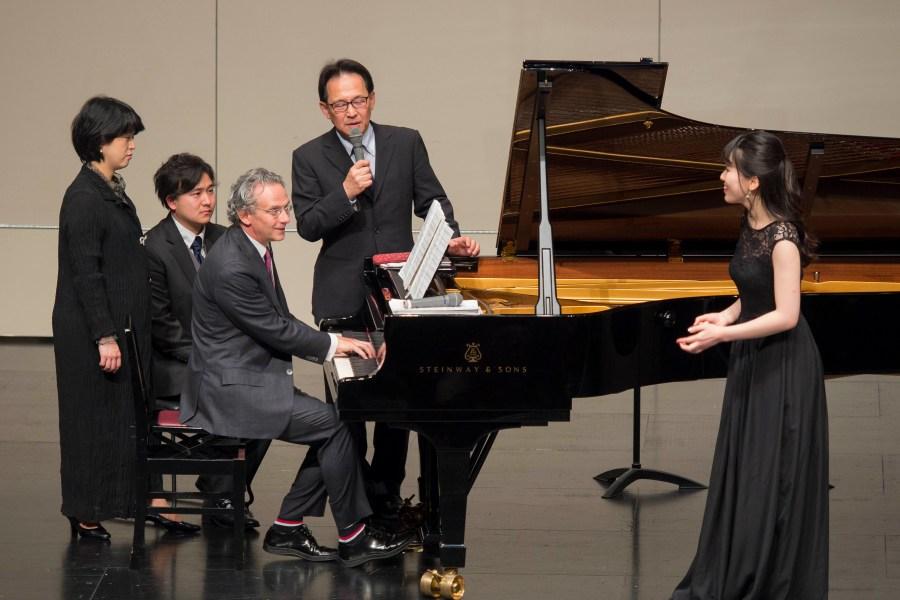 「ギリギリまで自分の演奏を追い込んで。その先にあなたの表現が見えてくるでしょう。」―――ファビオ・ルイージ オペラアリア・マスタークラス