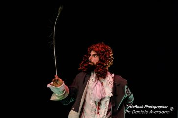 MasNada_magdaclan circo_ orchestra senzaspine_ contemporary _ circus_ italy_classical music - protagonist - credits Daniele Aversano