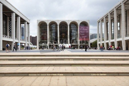 Metropolitan Opera House im Lincoln Centre , Poster-Bild 60 x 40 cm, erhältlich bei Amazon, Anbieter: adrium