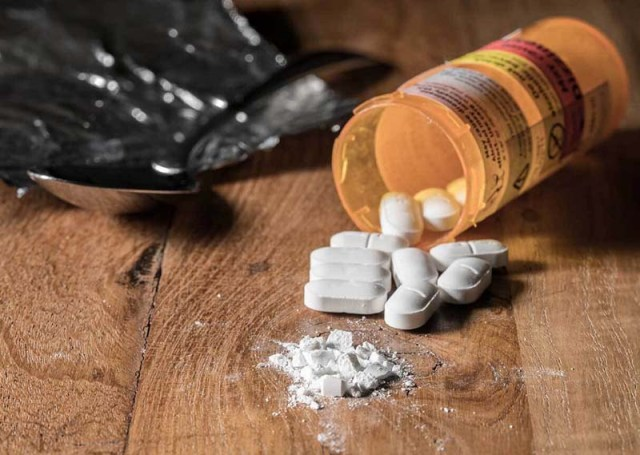 Opioid Addiction a Higher Risk for Women, Trends Show
