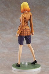 Hana figure back view