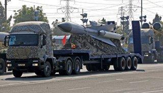 Иранская система ПВО во время парада в День национальной армии перед мавзолеем аятоллы Хомейни