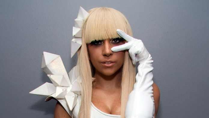 Леди Гага раскритиковала мировую систему лечения психических расстройств 2