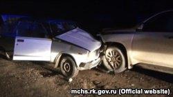Специалисты российского МЧС в Крыму оказывают помощь автомобилистам. Крым, 6 января 2019