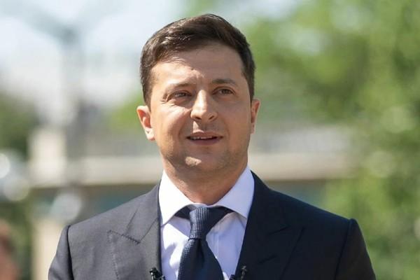 Зеленский потребовал от нардепа-мажоритарщика 175 млн грн на дороги в Ивано-Франковской области