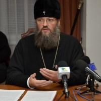 Московский поп назвал запорожского архиепископа Луку  трусом. Битвы пастырей