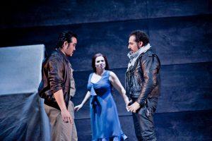 Sangmin Lee (Graf Luna), Susanne Braunsteffer (Leonora), Stefano La Colla (Manrico)